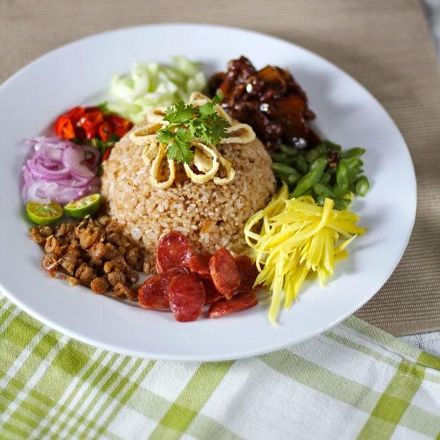 Khao Kluk Kapi (Fried Rice with Shrimp Paste)