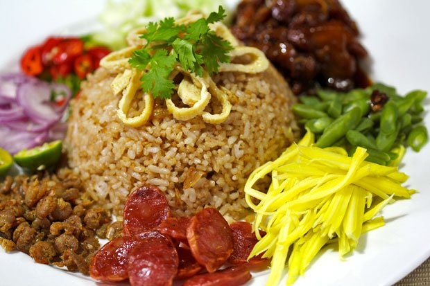 Khao Kluk Kapi (Fried Rice with Shrimp Paste)