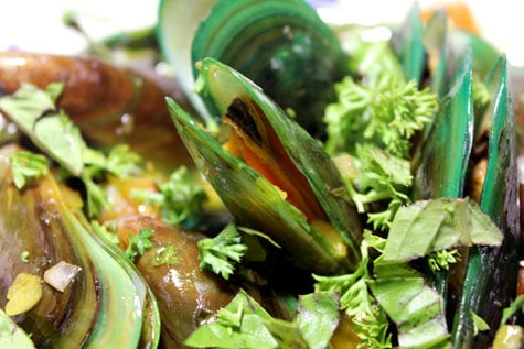 Mussels with Tomato-Saffron Butter‏