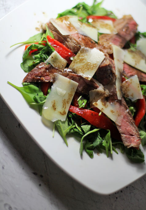 Seared Rib-Eye with Arugula and Roasted Peppers‏