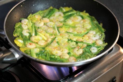Saewoo Pajeon (Shrimp Green Onion Pancake)