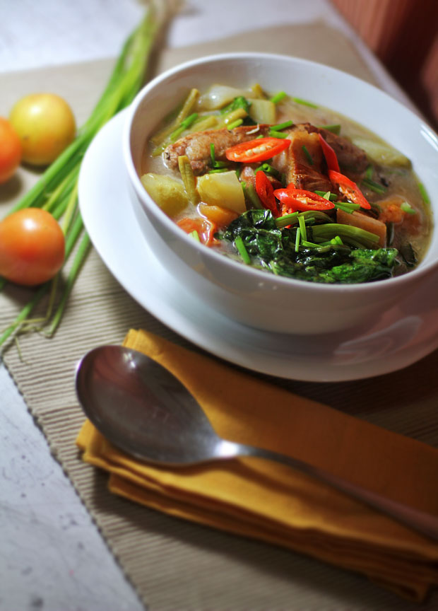 Hot and Sour Pork Soup (Thai-Filipino Pork Sinigang)‏‏