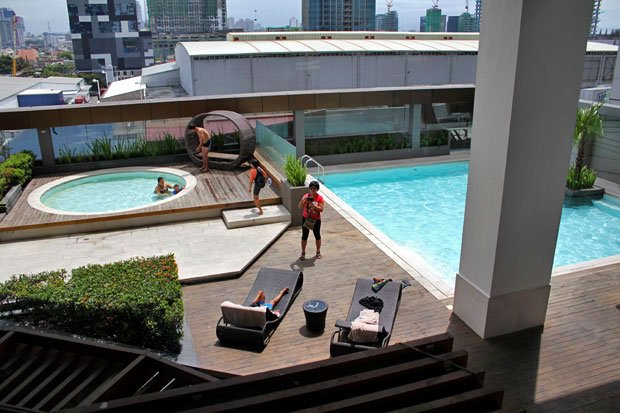 Staycation at Bonifacio Global City:  F1 Hotel Manila