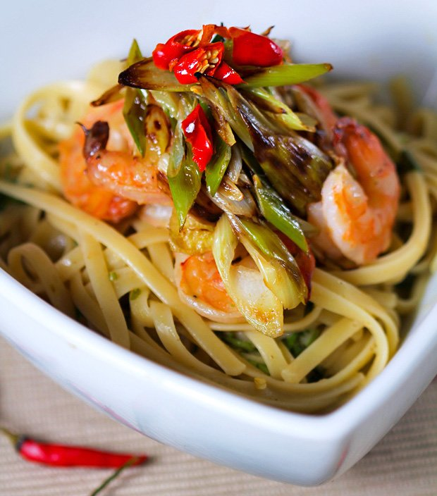 Linguine with Shrimp in Thai Green Curry Sauce