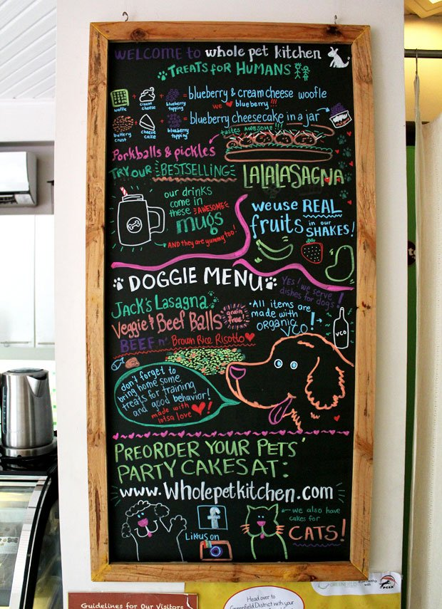 Whole Pet Kitchen: Pet Deli & Bark-ery