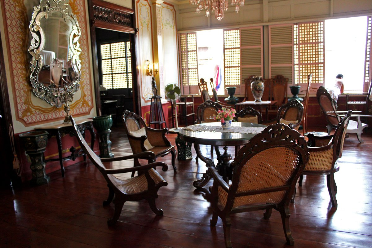 Be a don and do a for a day at an ancestral house in taal for V kitchen philippines