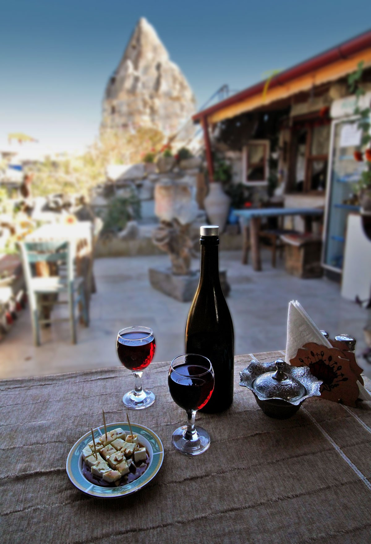 Omurca Art Cave Cafe: Where to Eat in Göreme, Cappadocia, Turkey