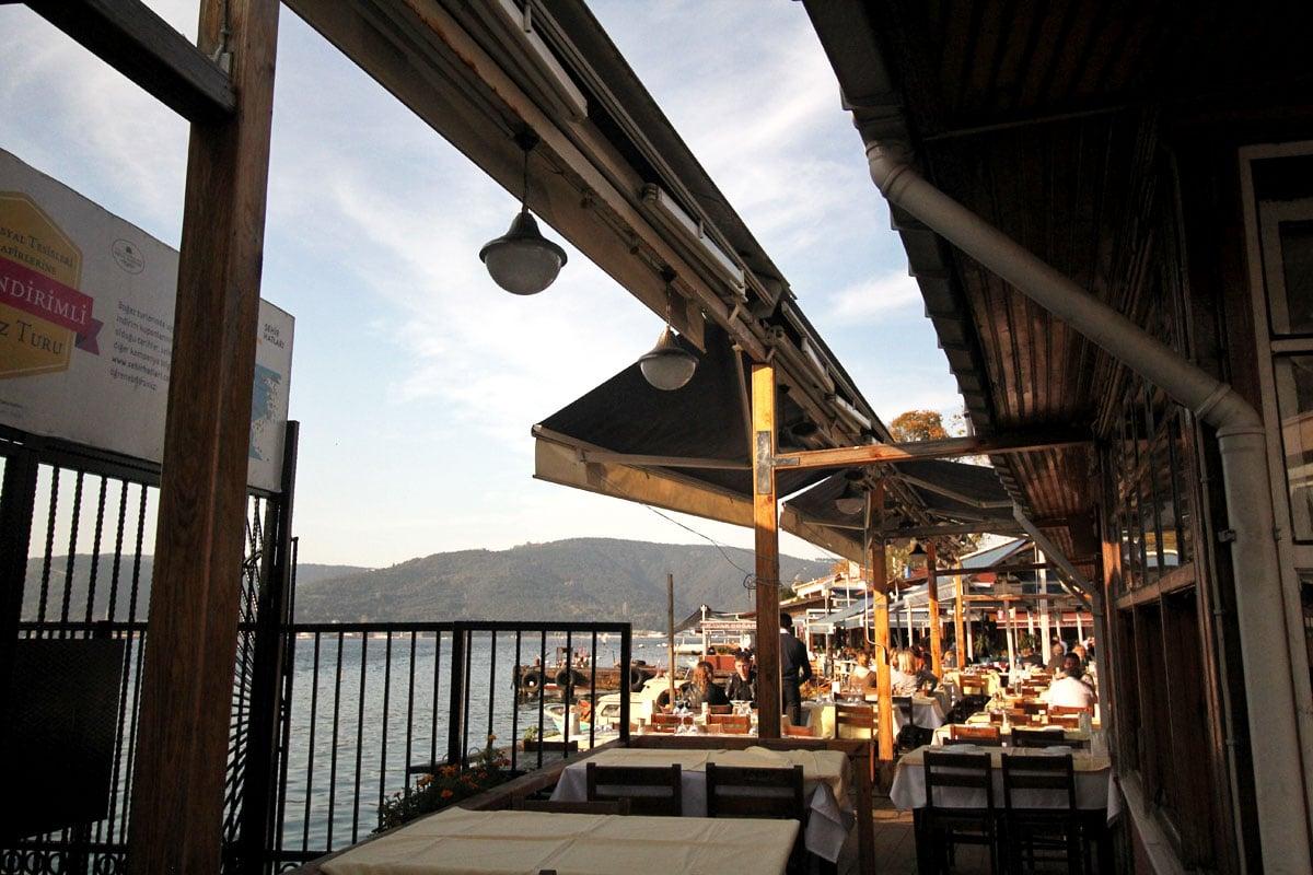 Take a Cruise on the Bosphorus with Şehir Hatları in Istanbul, Turkey