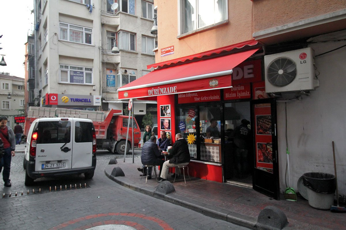 Dürümzade: Home to Some of the Best Wraps in Istanbul, According to Anthony Bourdain