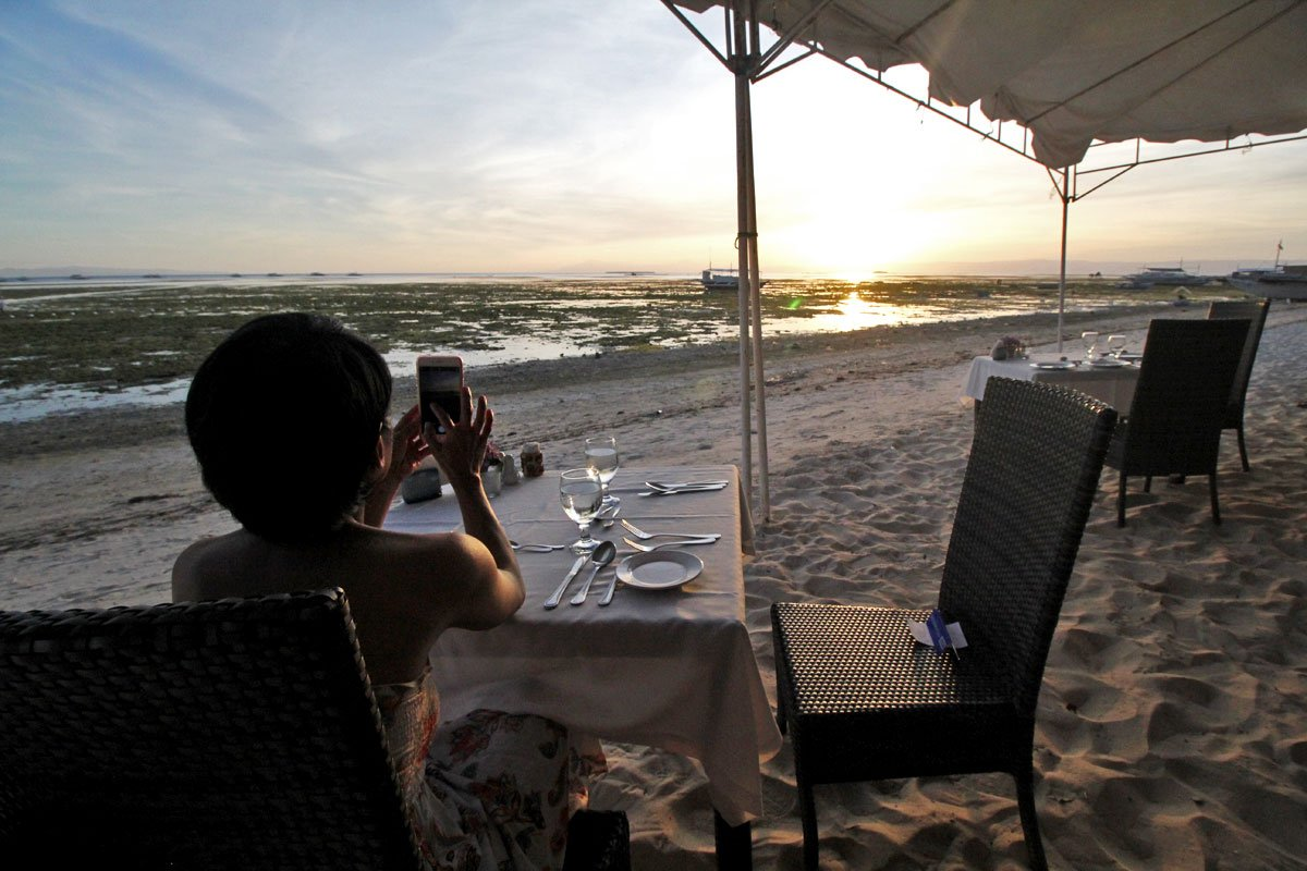 Pearl Restaurant at Linaw Beach Resort: Where to Eat in Panglao, Bohol, the Philippines