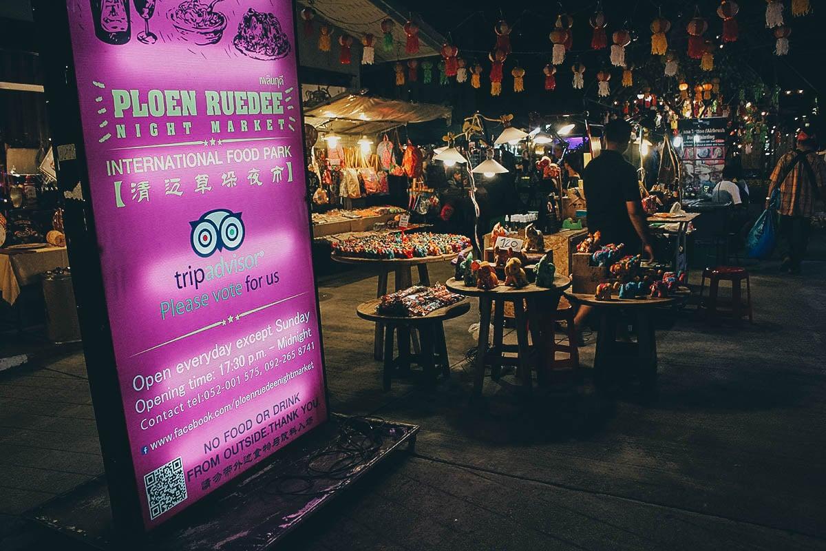 Ploen Ruedee Night Market, Chiang Mai, Thailand