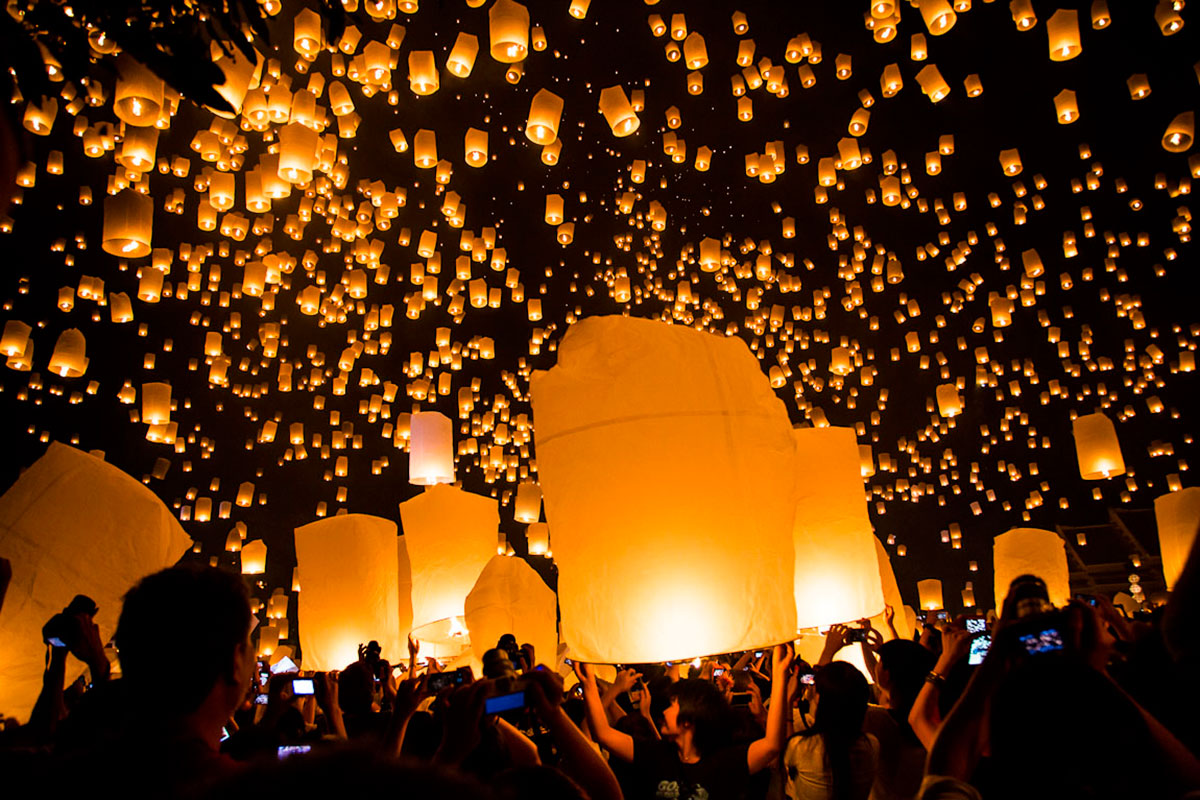 how to plan for the yee yi peng festival in chiang mai thailand