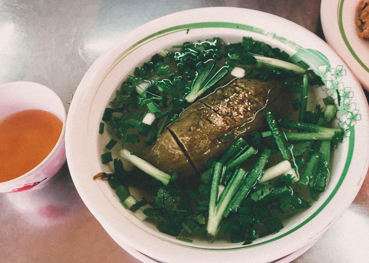 Discovering the Locals' Favourite Street Food in Saigon, Vietnam