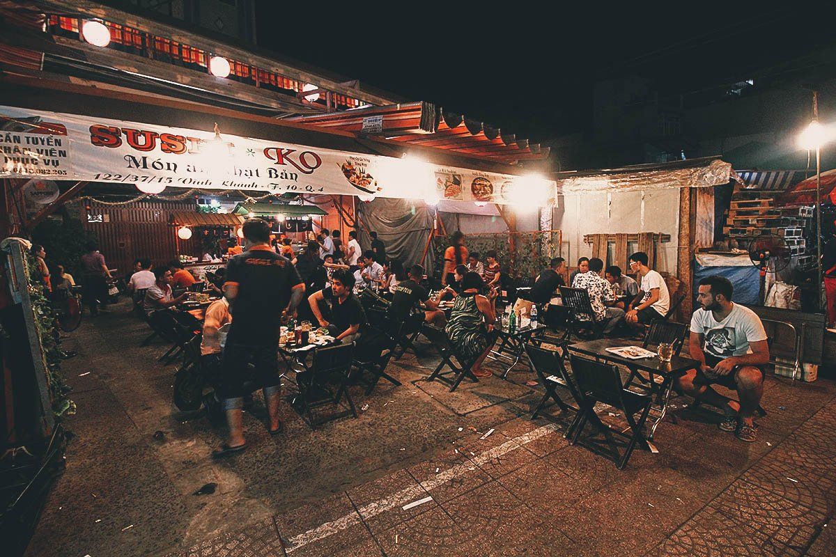 Vinh Khanh, District 4: Where to Have the Best Street Seafood in Saigon, Vietnam
