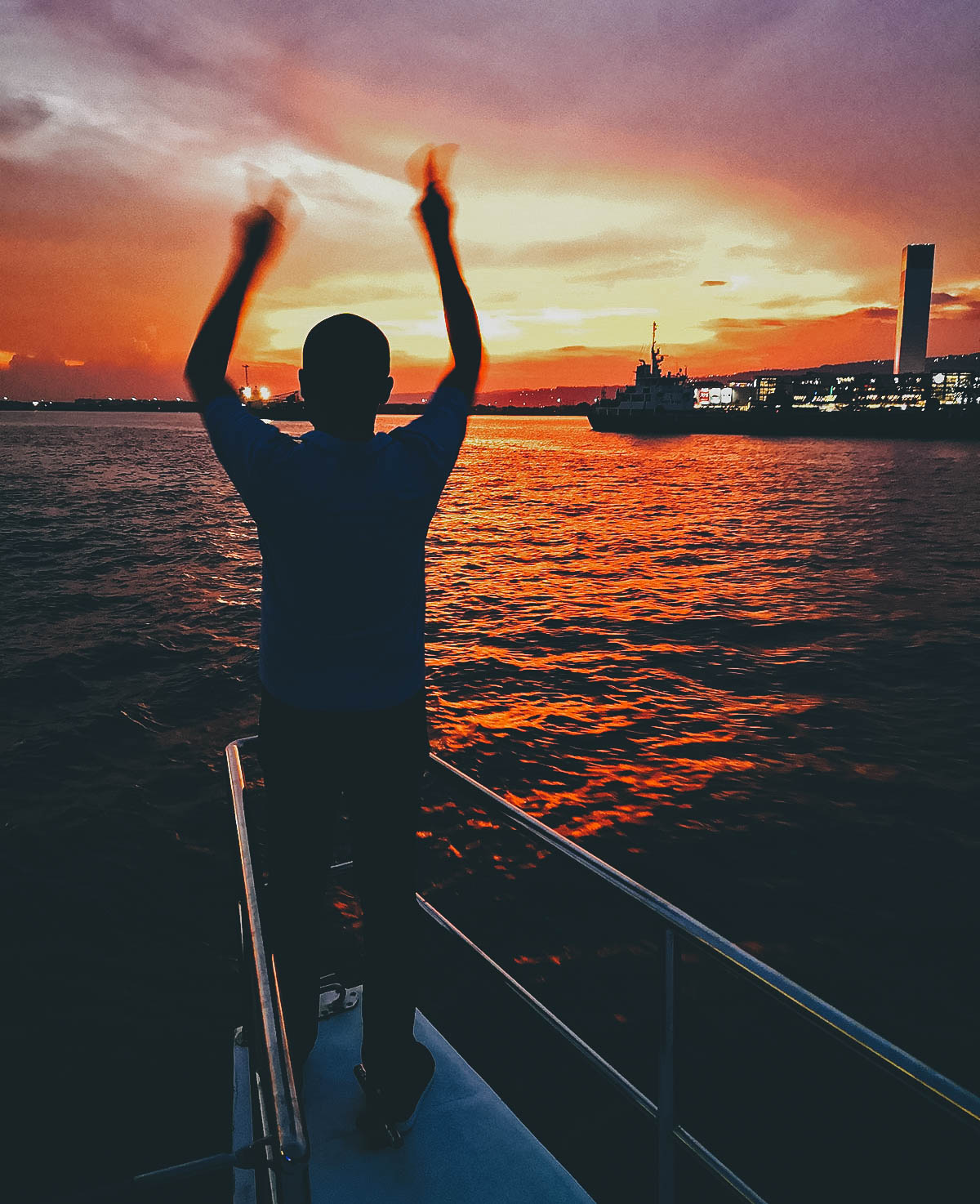 Luxury Sunset Cruise with Dinner and Unlimited Drinks, Cebu, Philippines