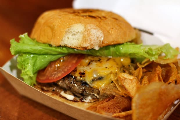 Beef Burger:  Brasas' Street Burger