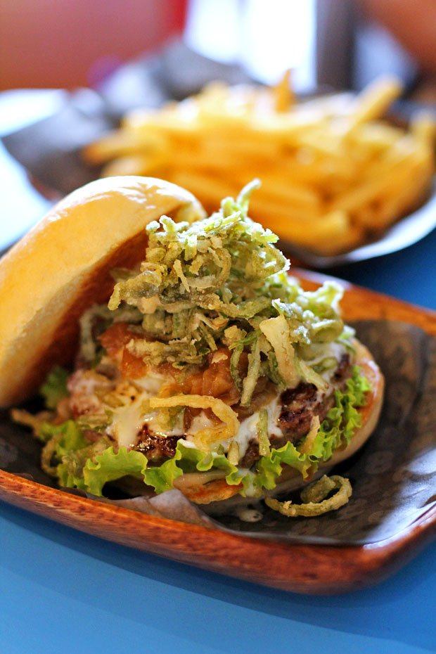 Beef Burger:  8 Cuts Burger Blend's Bleu