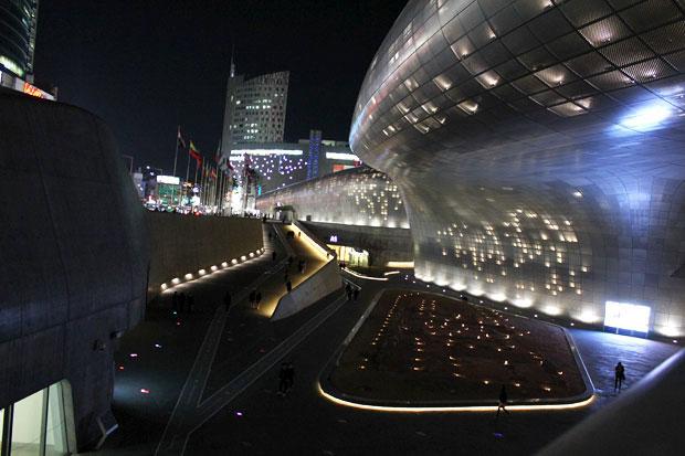 Dongdaemun Design Plaza, Seoul, South Korea