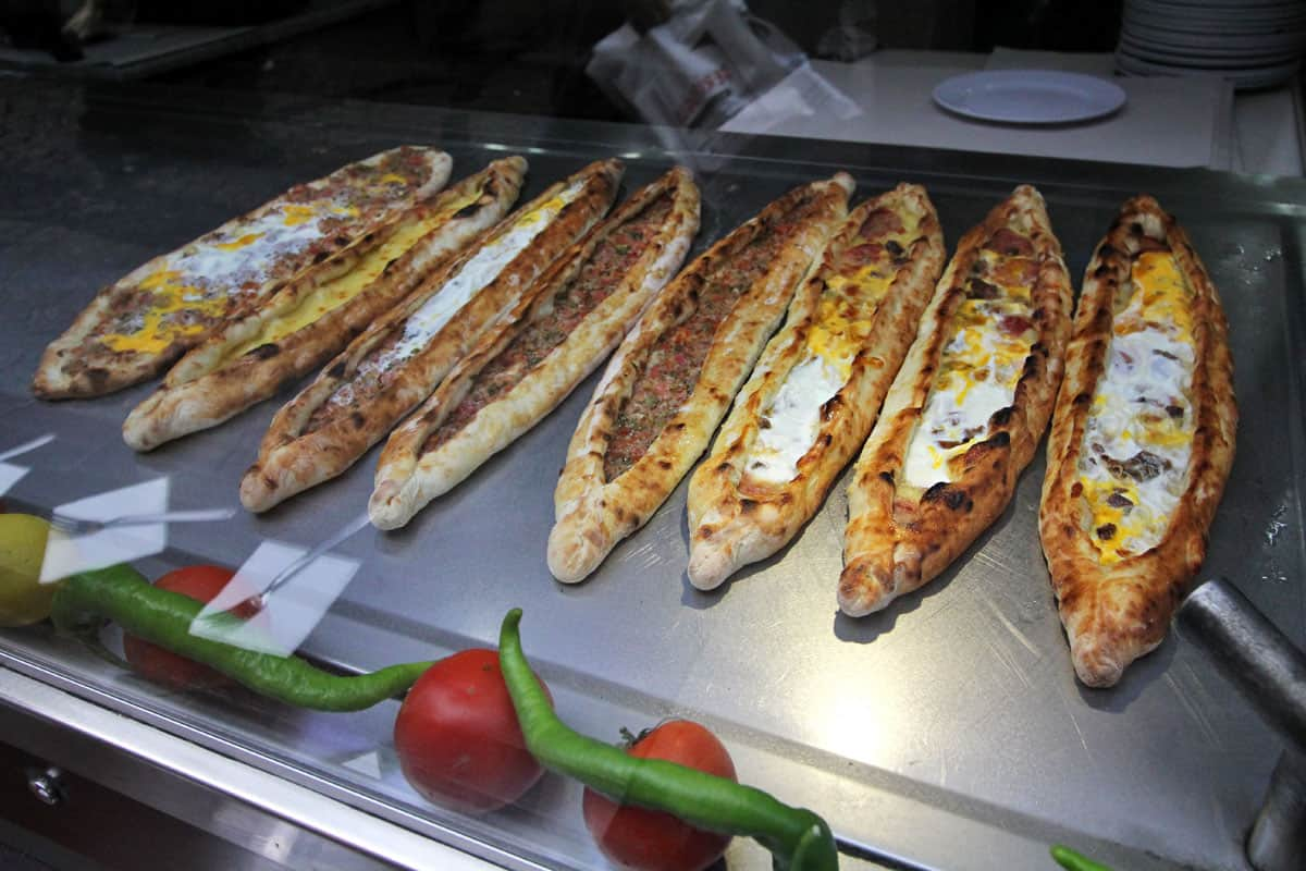 Pide in a row