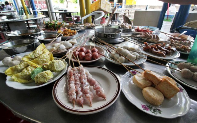 Lok Lok Steamboat:  One of the Most Fun Meals You Can Have in Penang, Malaysia