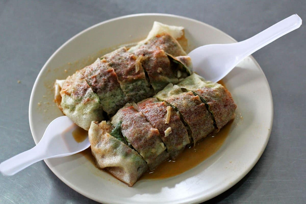 Popiah at a stall in Medan Selera Padang Brown