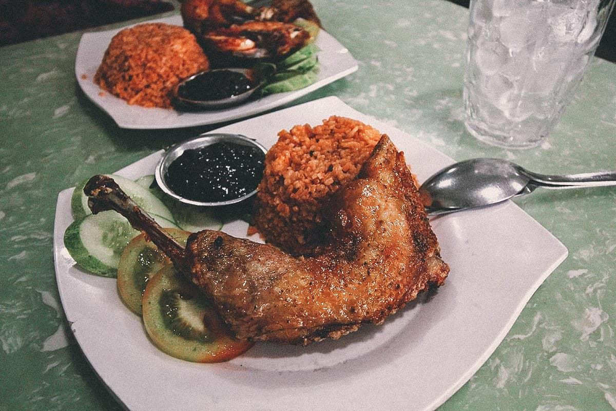 Cơm Gà Xối Mỡ Su Su, Ho Chi Minh City (Saigon), Vietnam