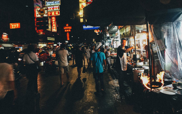 Bangkok Food Tour: Eat Your Way through the Back Alleys of Chinatown with A Chef's Tour!