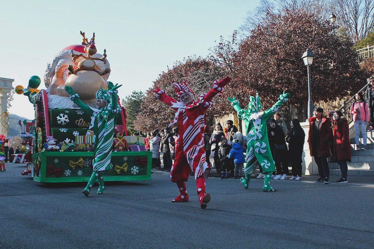 Christmas parade at Everland