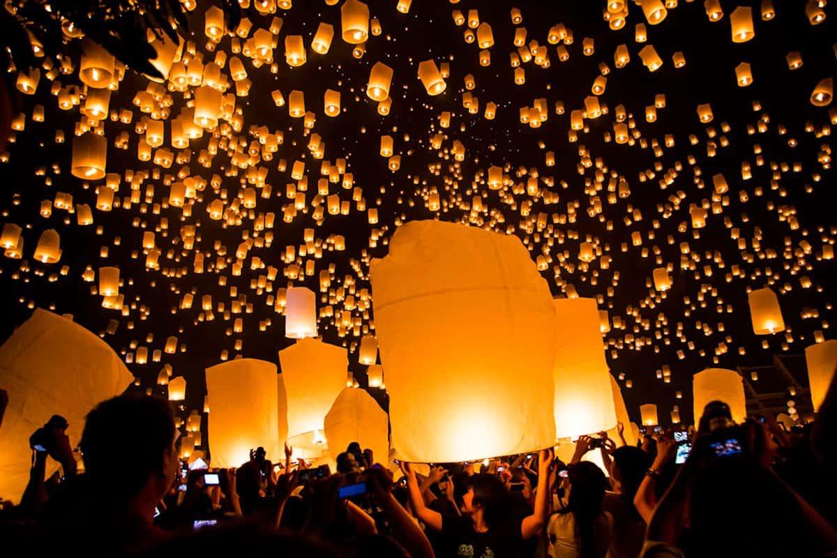 Yee Peng & Loy Krathong Festivals, Thailand