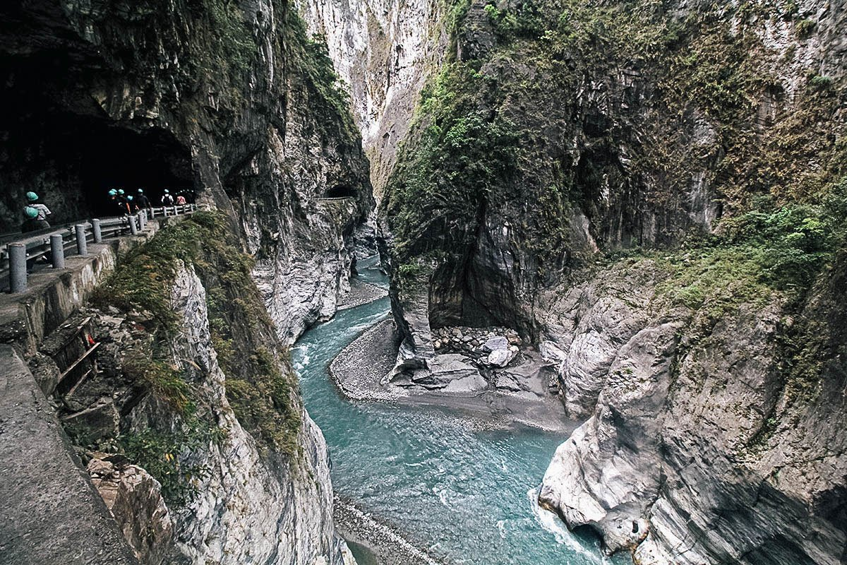 Take a Day Tour of Gorge-ous Taroko National Park in Hualien, Taiwan