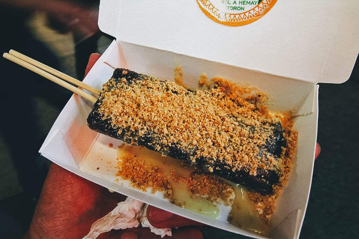 Grilled mochi at Dongdamen Night Market in Hualien, Taiwan