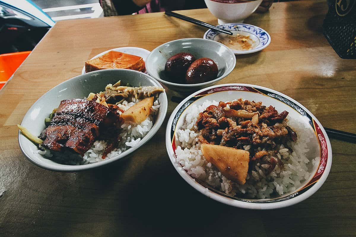 Lu rou fan and braised pork belly rice at Jin Feng in Taipei, Taiwan