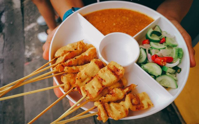 Phuket Food Tour: Experience Phuket Old Town Like a Local With A Chef's Tour