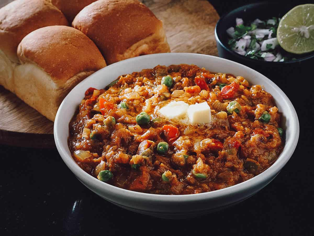 Bowl of pav bhaji