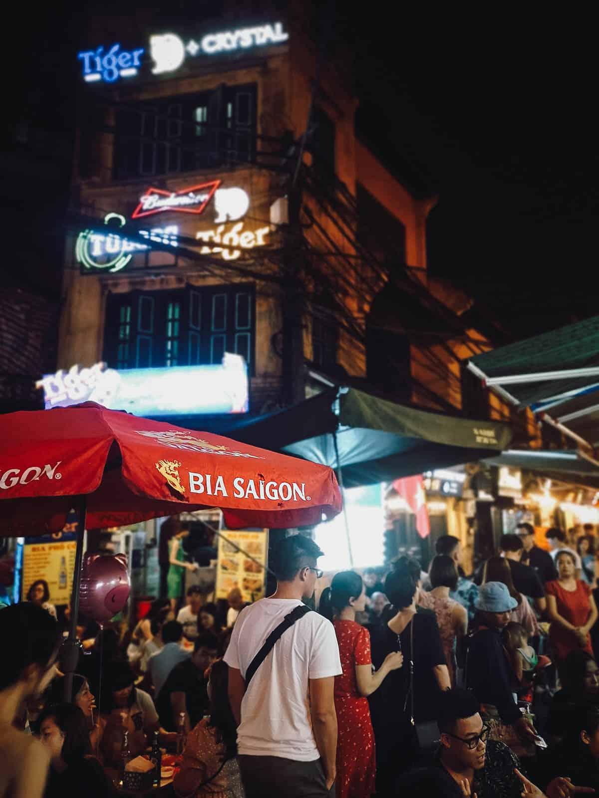 Bia hoi corner in Hanoi, Vietnam