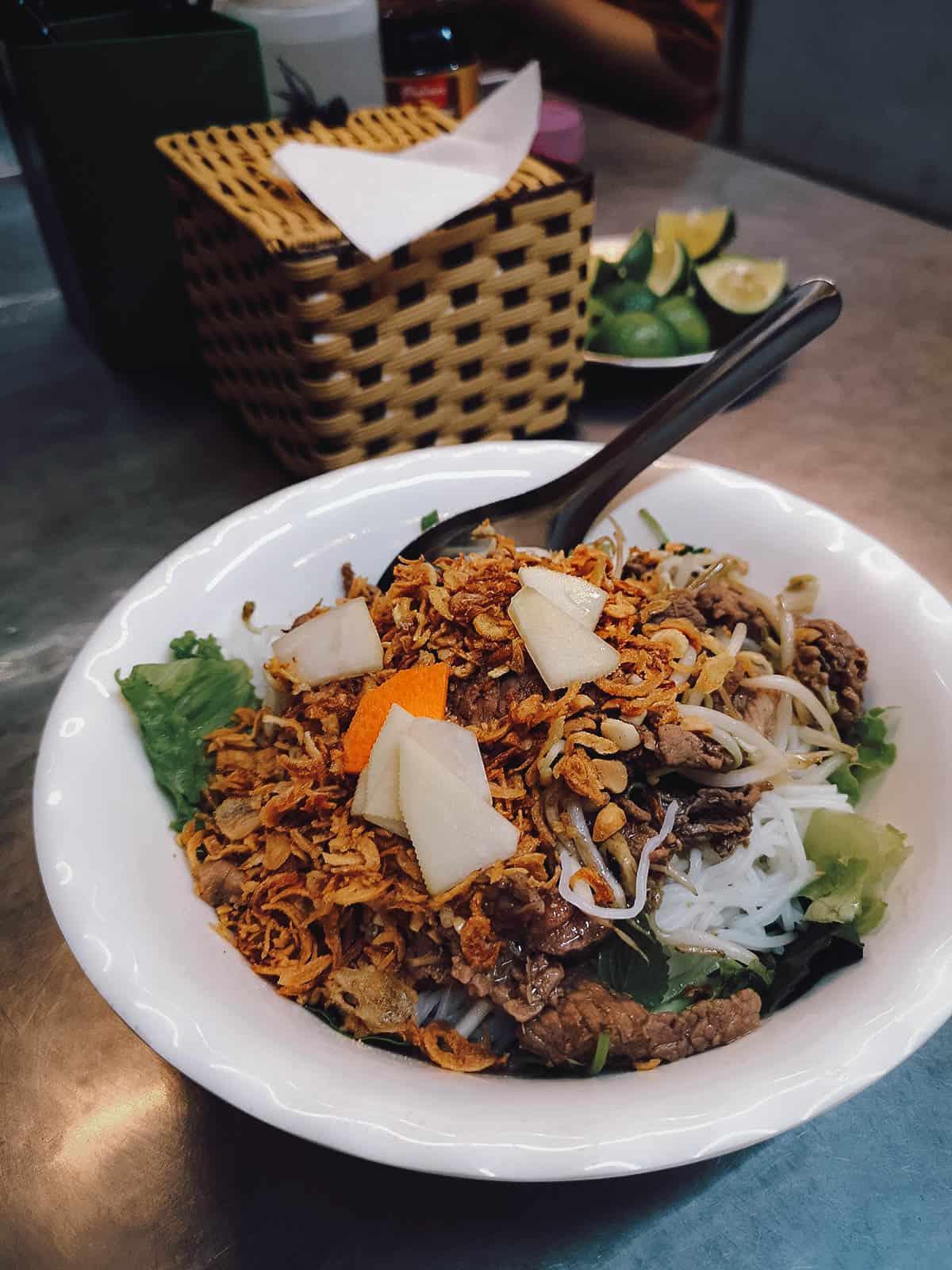 Bun bo nam bo at Bún Bò Nam Bộ Bách Phương