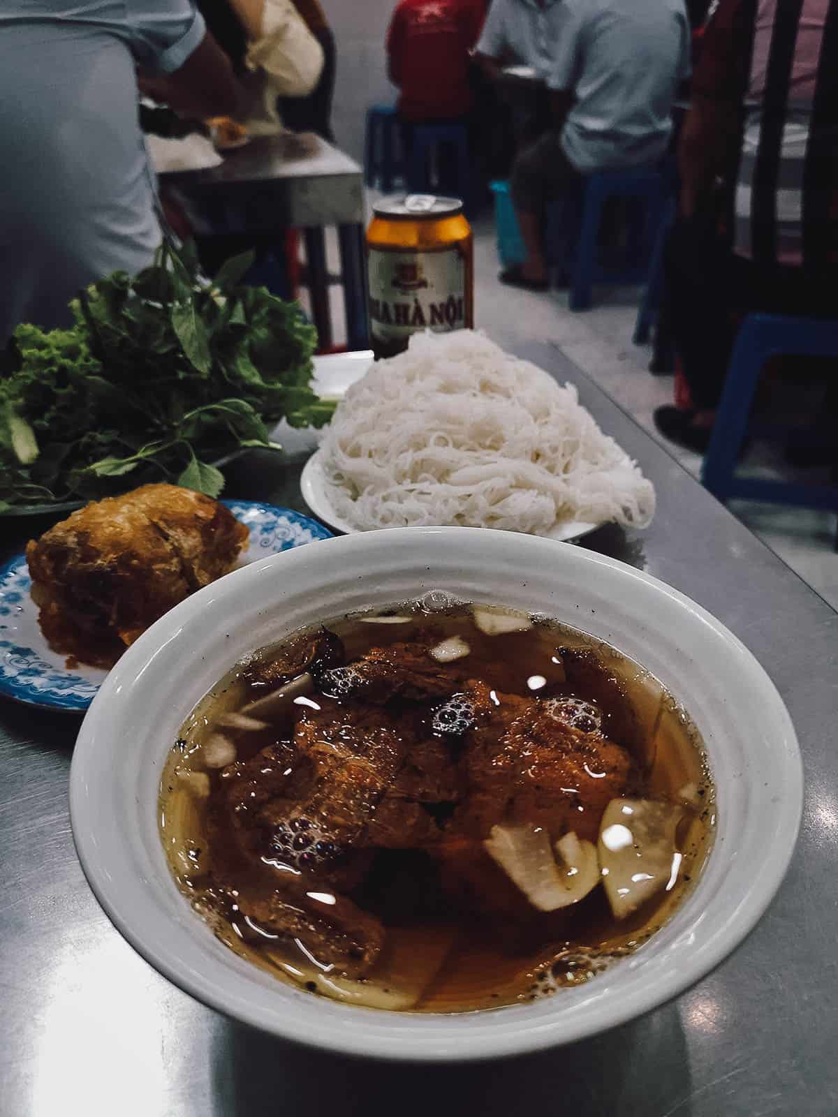Bun cha at Bún chả Hương Liên