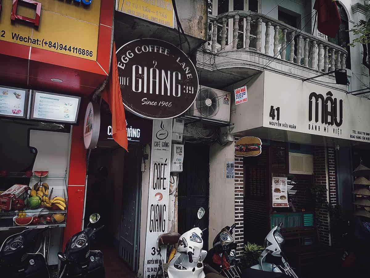 Alleyway into Cafe Giang