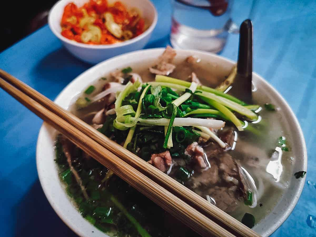 Pho at Phở Gia Truyền Bát Đàn