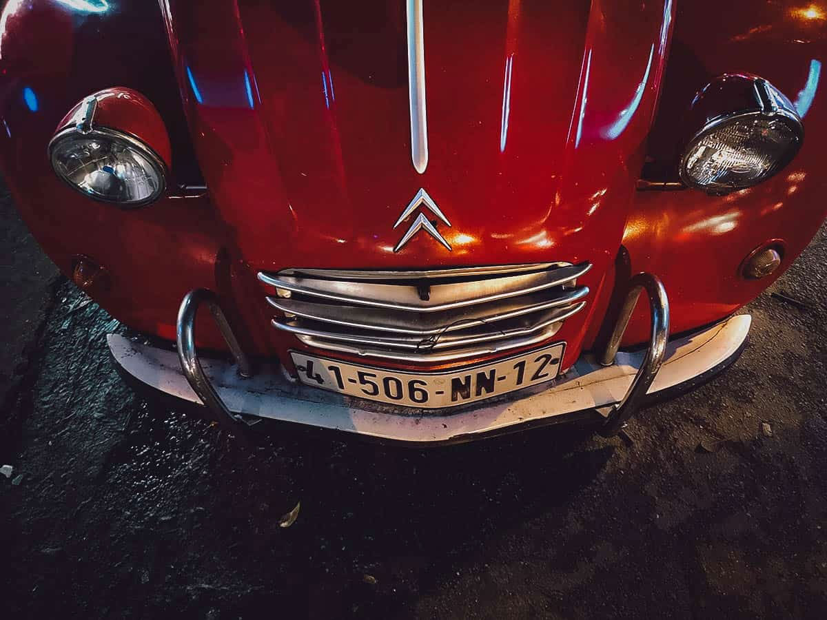 Saigon Food Tour: Eat Your Way Through Ho Chi Minh City in a Vintage Citroen 2CV!