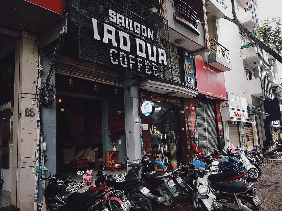 Saiigon Lão Quạ Coffee exterior