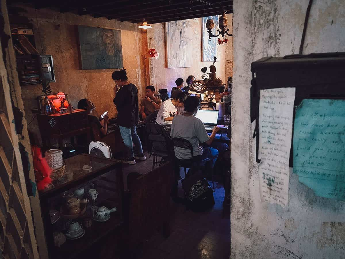 Looking into Hoang Thi Cafe