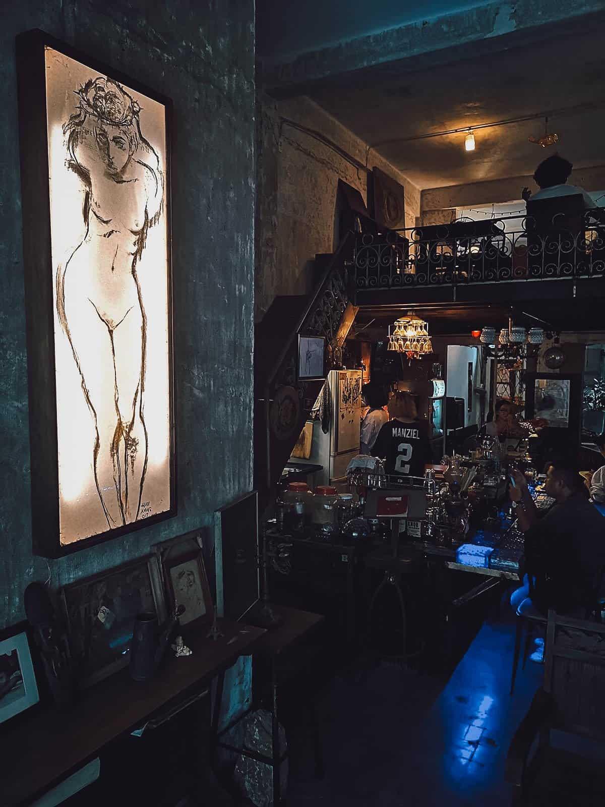 Hoang Thi Cafe interior