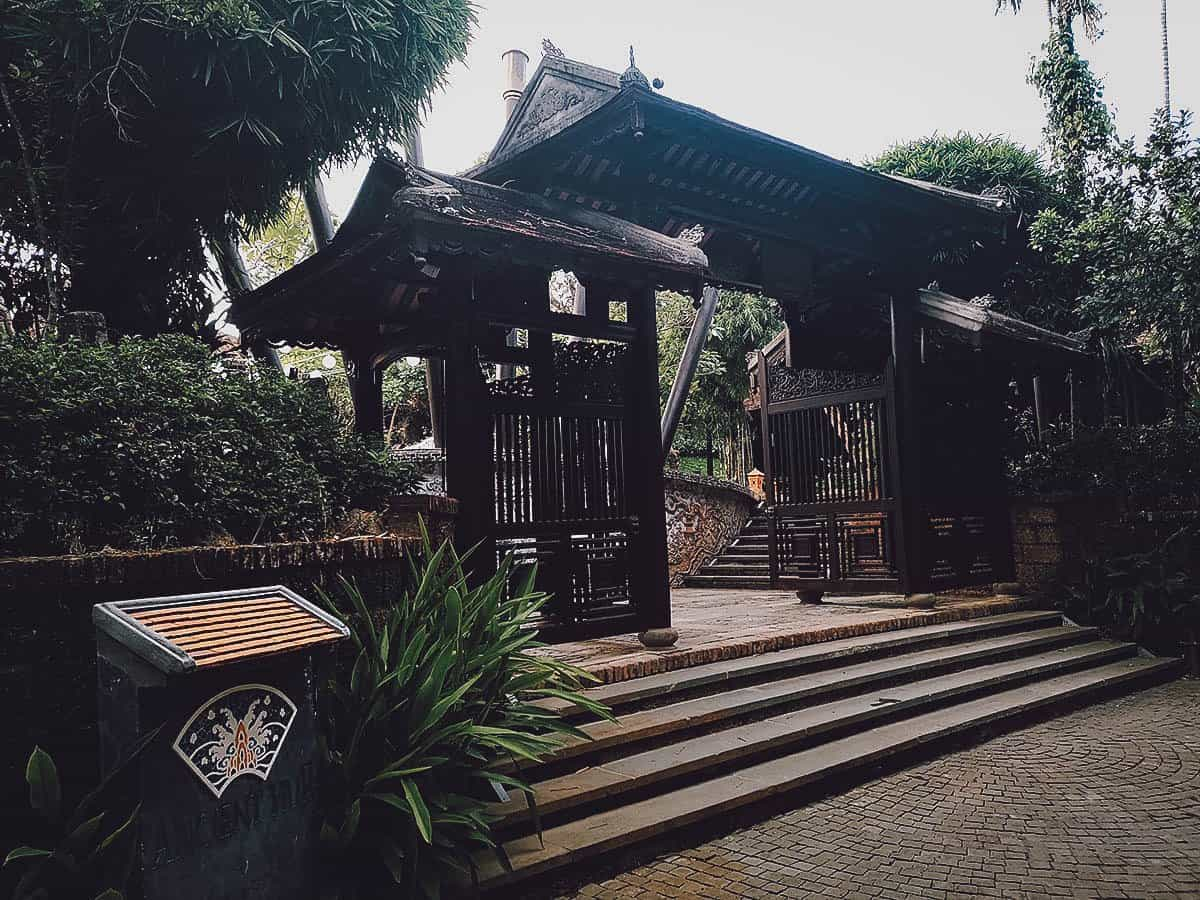 Ancient Hue Garden Houses exterior