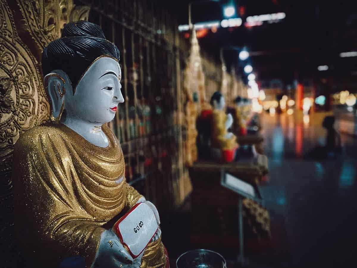 Chaukhtatgyi Paya, Yangon, Myanmar