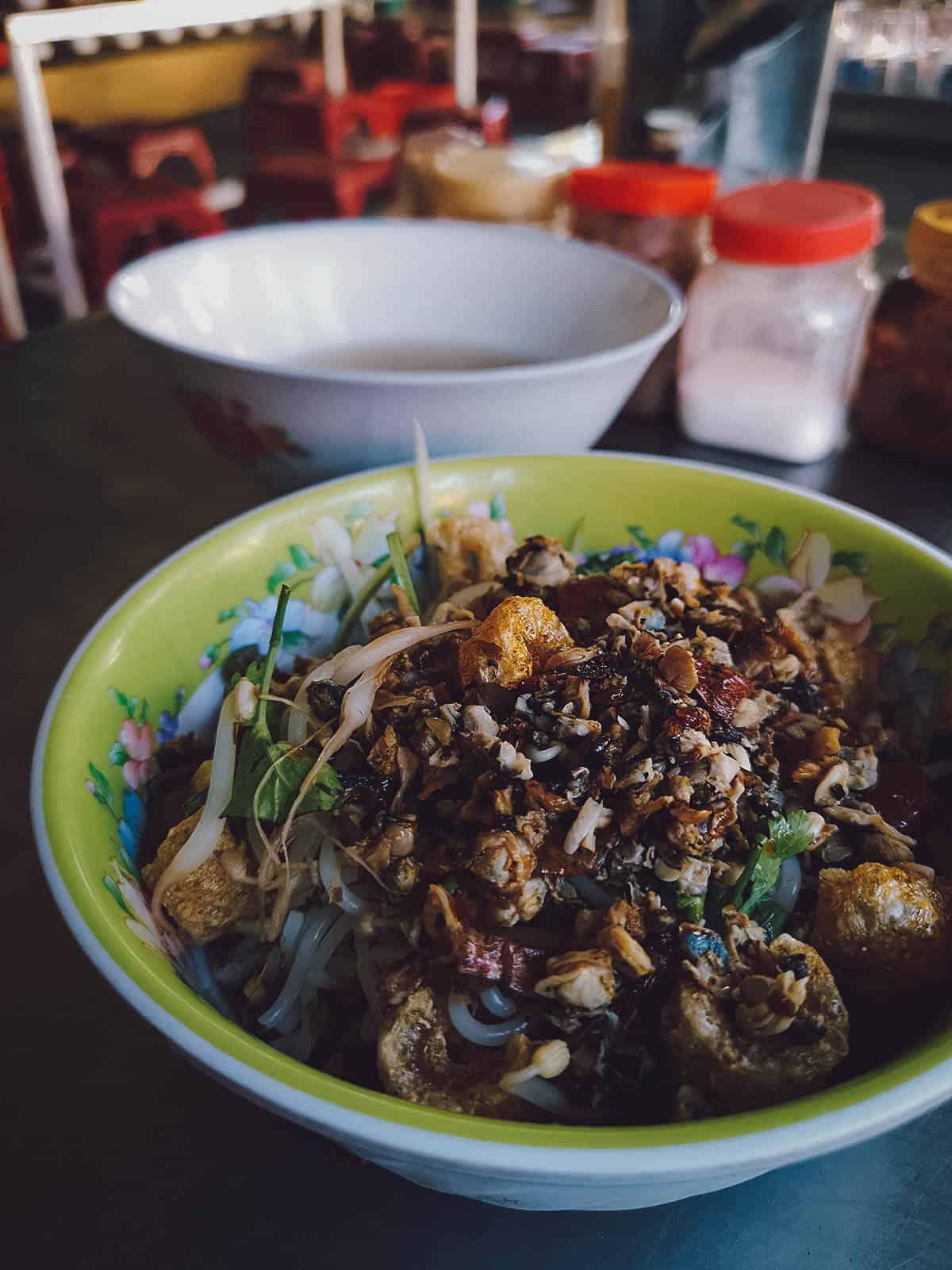 Bun hen at Com Hen Hoa Dong in Vietnam
