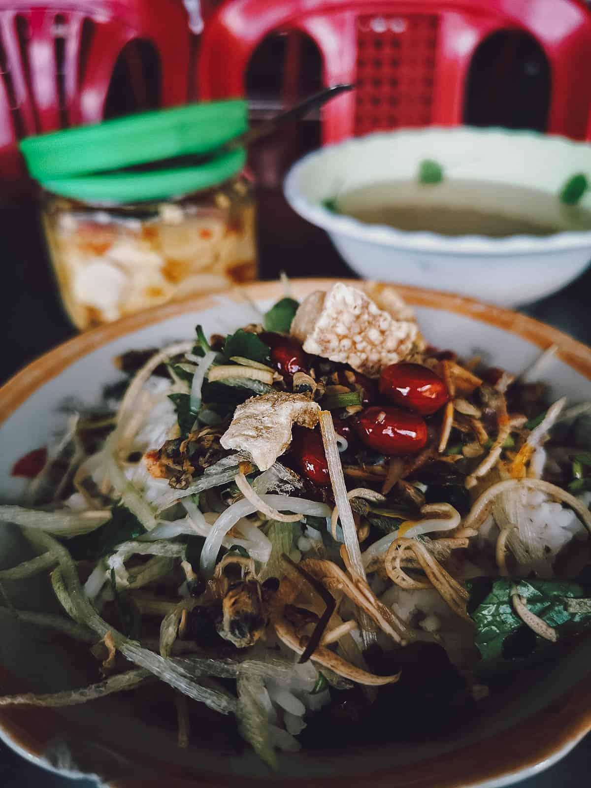 Com hen at Quan Com Hen 17 in Vietnam