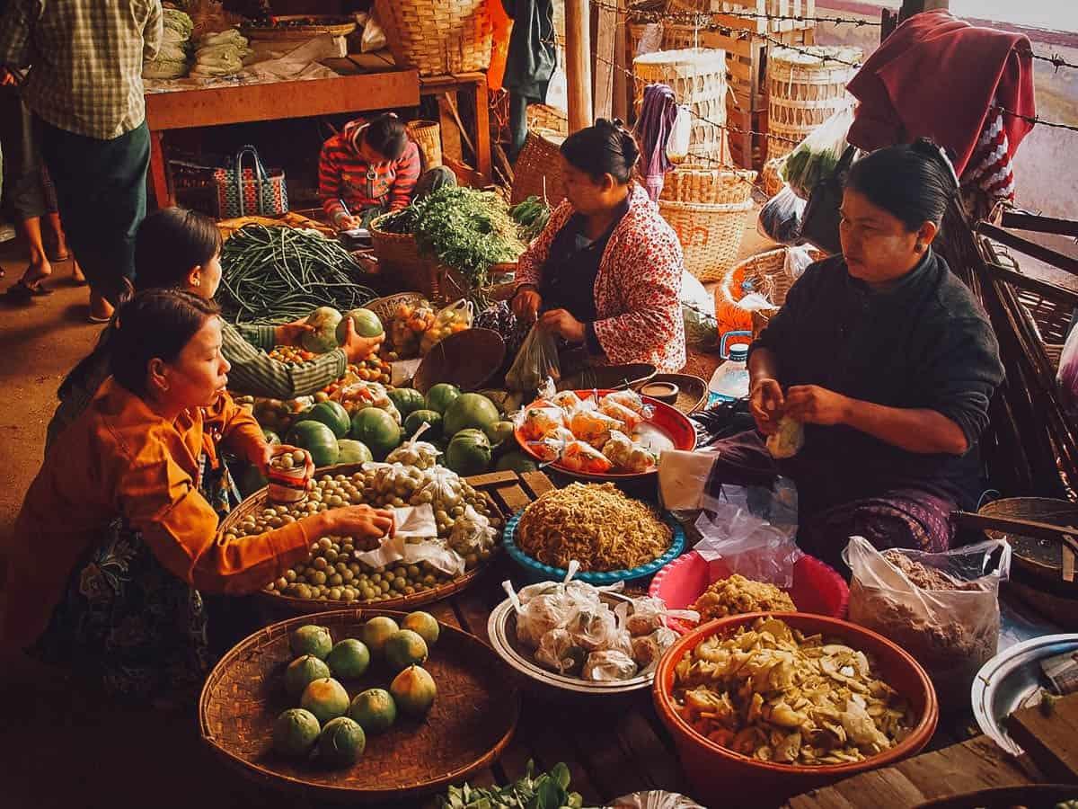 Mani Sithu Market, Nyaung-U, Myanmar