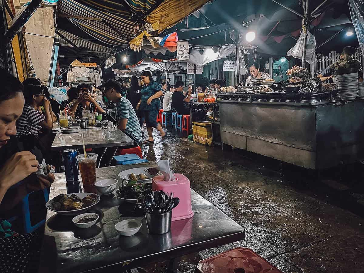 Oc Loan street food stall