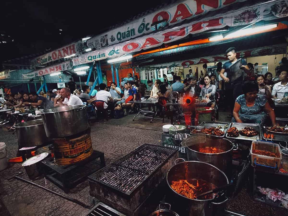 Oc Oanh street food stall